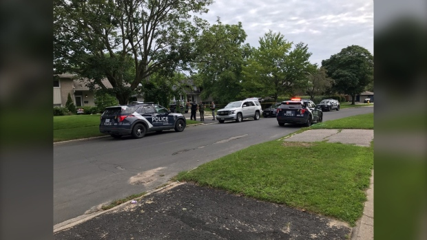 Police are conducting an evidence search on Melrose Avenue in Barrie, Ont. on Sat. July 31, 2021 (Luke Simard/CTV News Barrie)