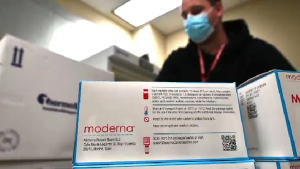 moderna vaccine dose shot vial covid-19