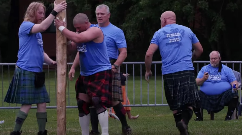 Canadian Jason Baines has set a new world record, performing 161 caber tosses in one hour.