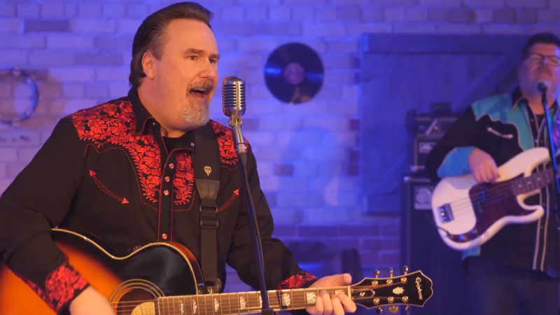 Songwriter and rockabilly artist Ian Cook is hoping to win a songwriting contest. (Supplied)