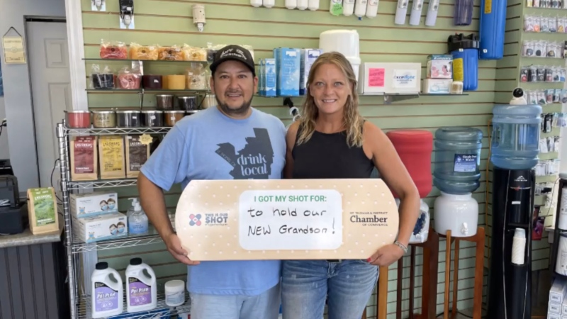 Chris and Jame Patriquin, owners of Simply Pure Water in St. Thomas, Ont. (Source: St. Thomas & District Chamber of Commerce)
