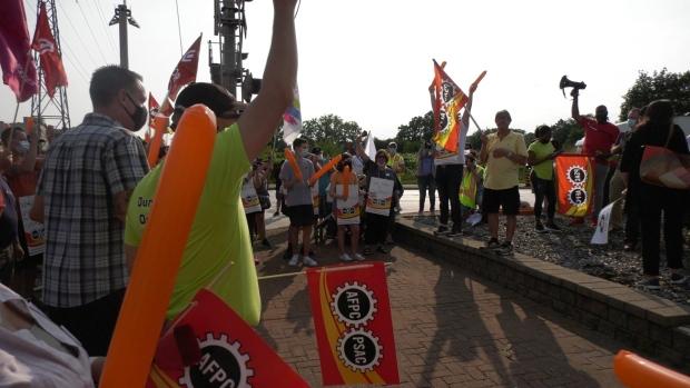 CBSA workers held a rally at the Ambassador Bridge in Windsor, Ont. on Wednesday, Aug. 4 2021. (Angelo Aversa/CTV Windsor)