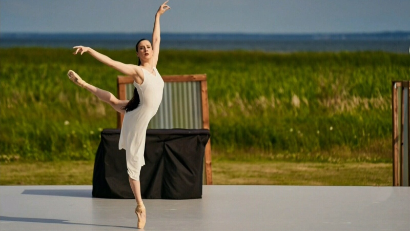 Ballet by the ocean