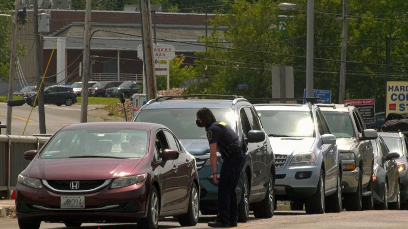 One-way traffic at Canada-U.S. border