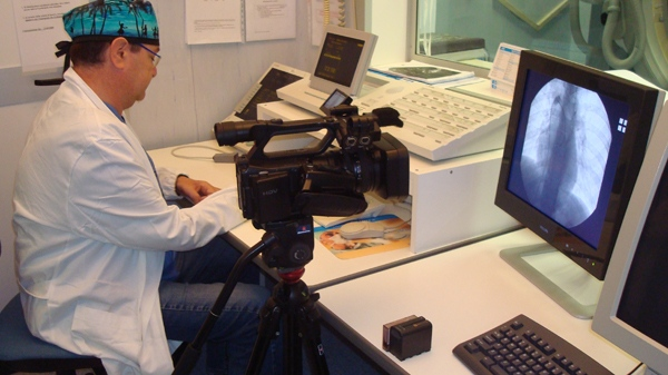 Dr. Paolo Zamboni works at his research lab at the University of Ferrara in Italy. (W5 / Avis Favaro)