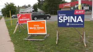 Elections signs for candidates in Sault Ste. Marie, Ont. Sept. 3/21 (Mike McDonald/CTV Northern Ontario)