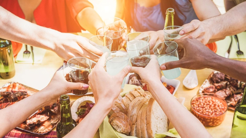 How to throw the perfect end-of-summer celebration