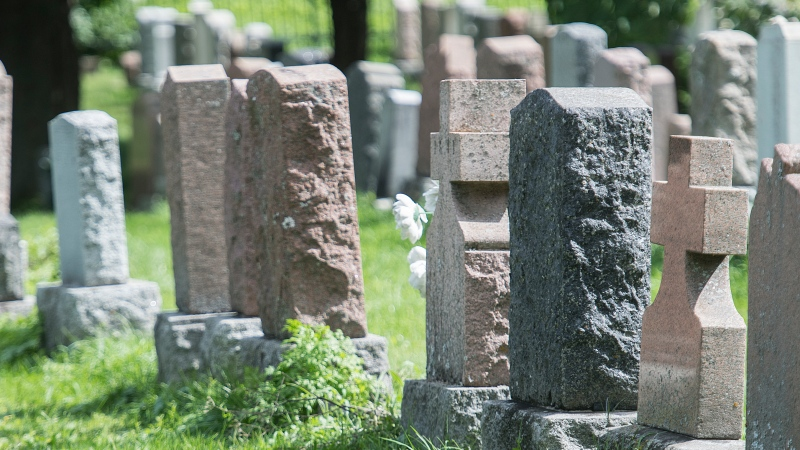 Notre-Dame-des-Neiges Cemetery. (THE CANADIAN PRESS/Graham Hughes)