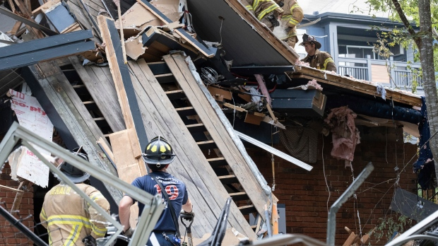 4 injured after apartment building explosion near Atlanta