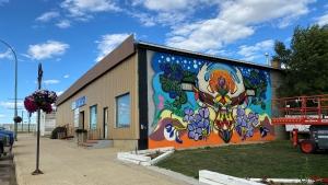 "Stephanie Bellefleur's mural called ""Land of the Living Skies"" in downtown Coronach. (Gareth Dillistone/CTV News)"