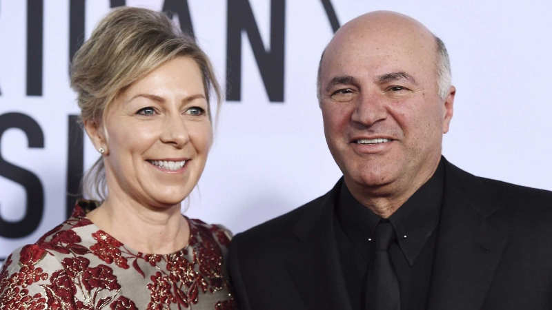 Linda O'Leary and Kevin O'Leary arrive at the American Music Awards at the Microsoft Theater in Los Angeles. THE CANADIAN PRESS/AP, Jordan Strauss/Invision