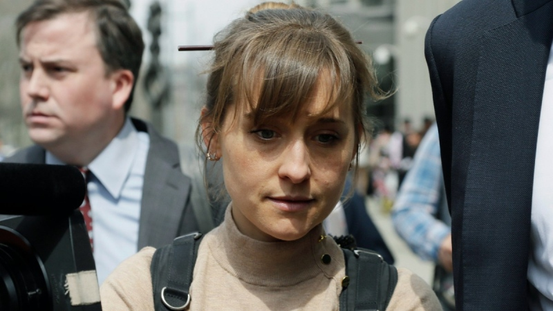 Actress Allison Mack leaves Brooklyn federal court in New York, on April 8, 2019. (Mark Lennihan / AP)