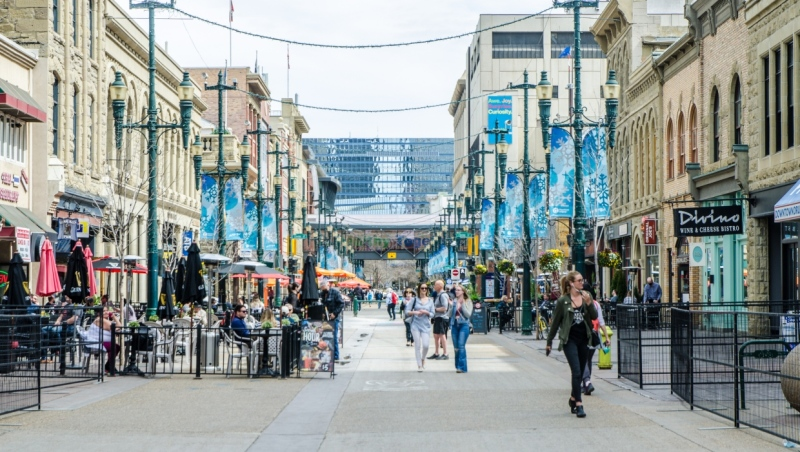 Stephen Avenue in downtown Calgary. (Getty images)