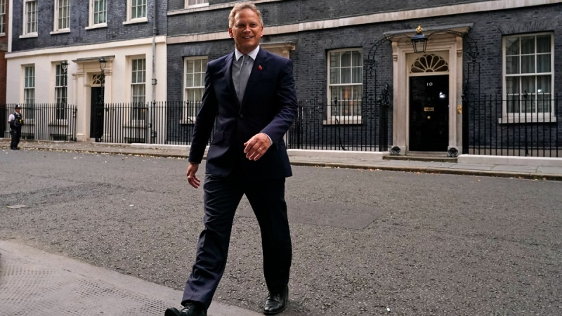 Britain's Secretary of State for Transport Grant Shapps leaves 10 Downing Street, in London, on Sept. 15, 2021. (Alberto Pezzali / AP)