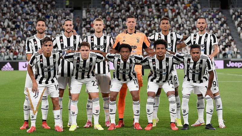 Juventus team poses prior to the Serie A soccer match between Juventus and Empoli at the Allianz stadium in Turin, Italy, on Aug. 28, 2021. (Fabio Ferrari / LaPresse via AP)