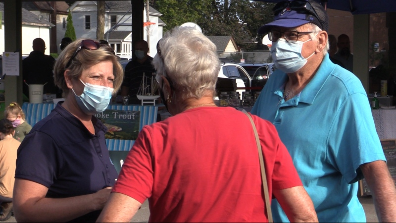 MP Karen Vecchio taking to constituents in St. Thomas, Ont. on Saturday, Sept. 18, 2021. (Brent Lale/CTV London)