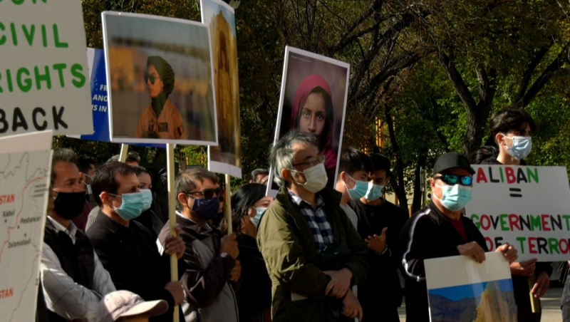 Protests took place outside Calgary city hall n Sunday as Afghan-Calgarians pushed for the Canadian government to help innocent civilians who are trapped under Taliban rule.