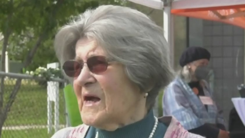Former Northern College professor donates tartan