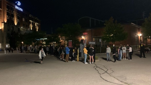 A long line up of voters at the Delta hotel near the University of Guelph (Natalie van Rooy / CTV Kitchener)