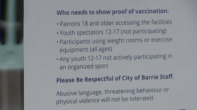 A recreational centre in Barrie, Ont., posts a notice about the vaccine certificate on its door on Tues., Sept. 21, 2021 (Mike Arsalides/CTV News)