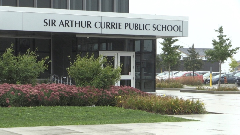 Sir Arthur Currie Public School on Buroak Drive in London, Ont., Sept 22, 201. (Daryl Newcombe / CTV News)