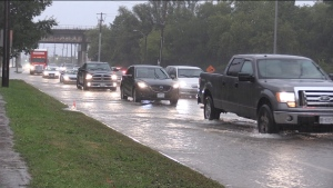 Flooding at Wonderland Road and Kingsway Avenue in London, Ont., Sept. 22, 2021. (Daryl Newcombe / CTV News)