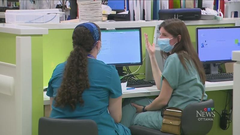 Quebec nurses to get $15,000 bonus