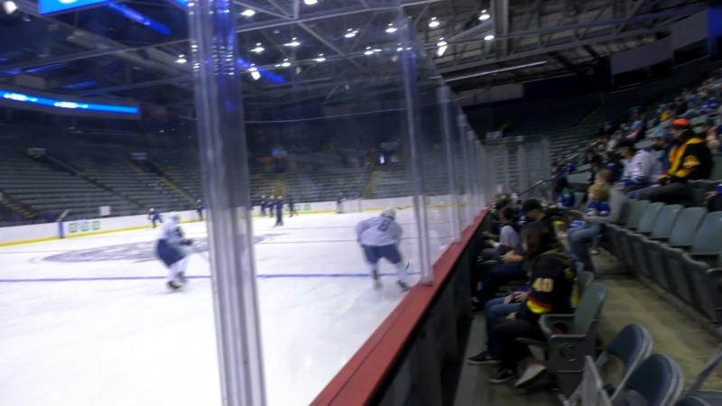 Canucks fans back in the stands