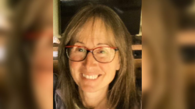 Hélène Guilbault, 60, has white skin, blue eyes, brown hair, weighs about 90 pounds (41 kilograms), and stands at five feet (1.52 metres). Image source: SPVM
