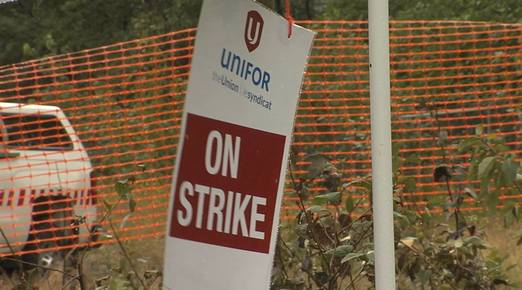 Unifor pickets at Rio Tinto Kitimat Works