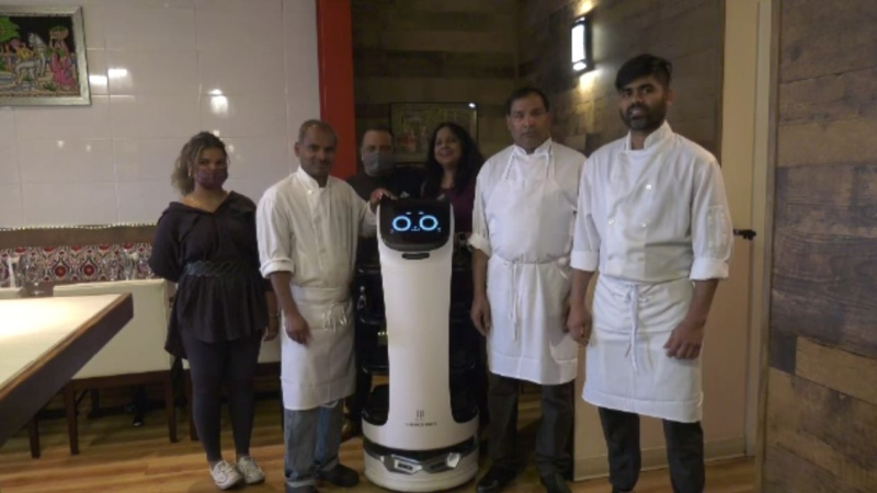 Mantra Restaurant in downtown Victoria has a new mechanical staff member: (CTV News)