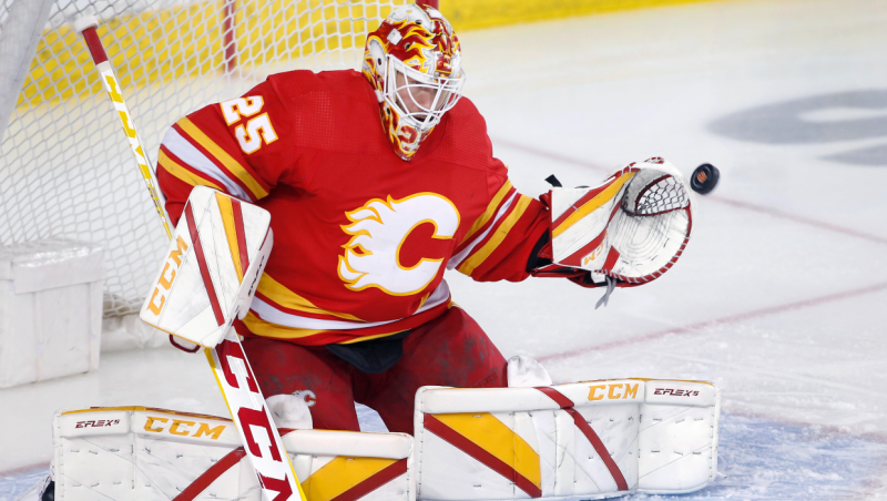 Calgary Flames goalie Jacob Markstrom, from Sweden, at a game against the Vancouver Canucks in Calgary, Alta. on May 19, 2021. (The Canadian Press / Larry MacDougal)
