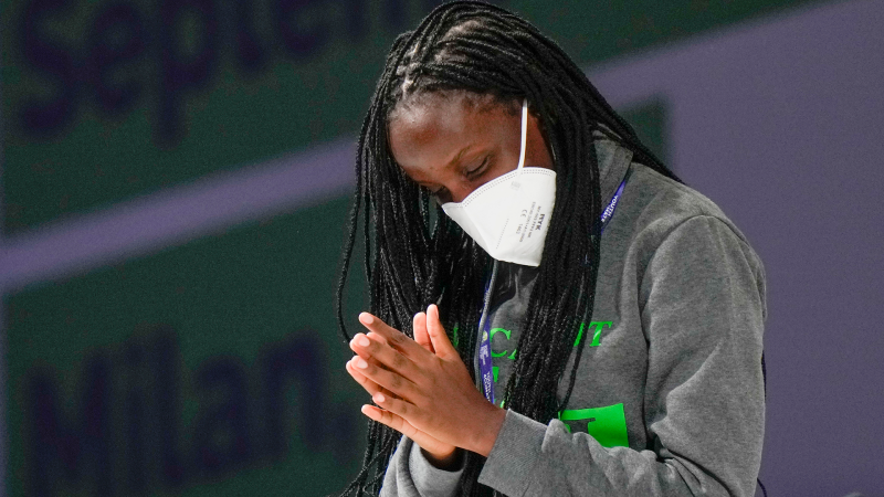 Ugandan activist Vanessa Nakate tells the Youth4climate meeting of the devastating effects of climate change in her country.