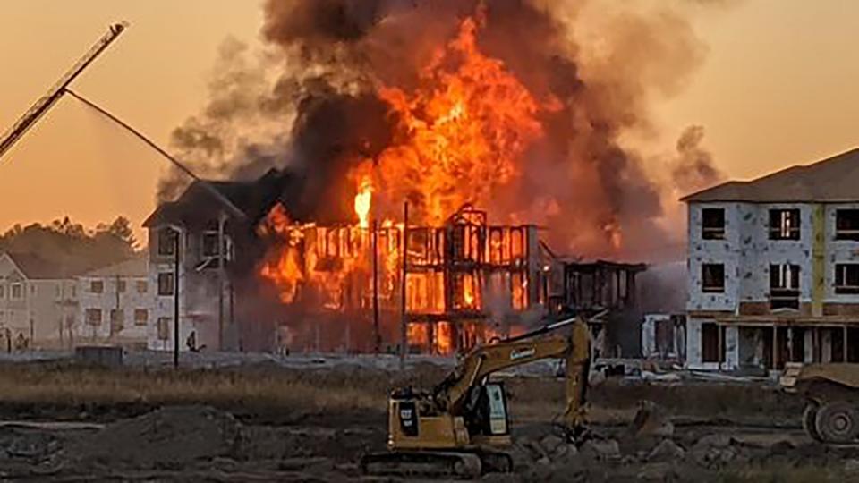 Firefighters battle blaze in Kanata