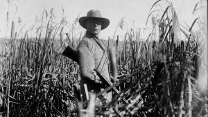 King Edward VIII is pictured while duck hunting in Qu'Appelle Valley, Sask. in October 1919. (National Archives of Canada / THE CANADIAN PRESS)