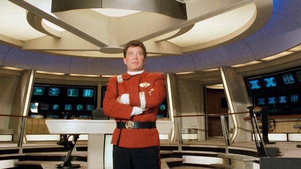 William Shatner, del capitán Kirk, en la cúspide de la explosión en el espacio