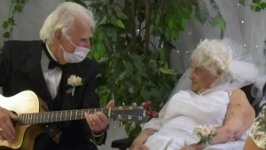 Ont. couple married for 70 years become newlyweds