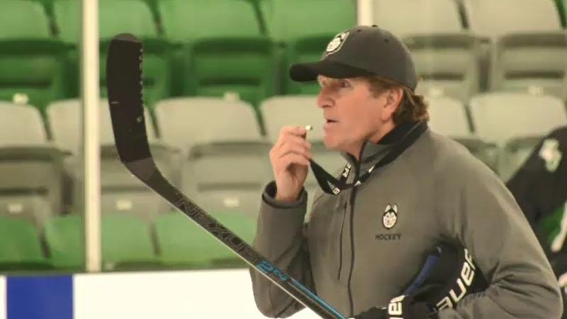 Mike Babcock is pictured at a University of Saskatchewan Huskies practice on Oct. 14, 2021. (Matt Young/CTV Saskatoon)