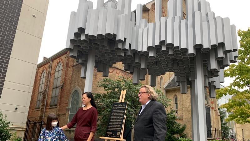 London, Ont. artist Jyhling Lee and Mayor Ed Holder on Oct. 15, 2021. (Bryan Bicknell/CTV London)