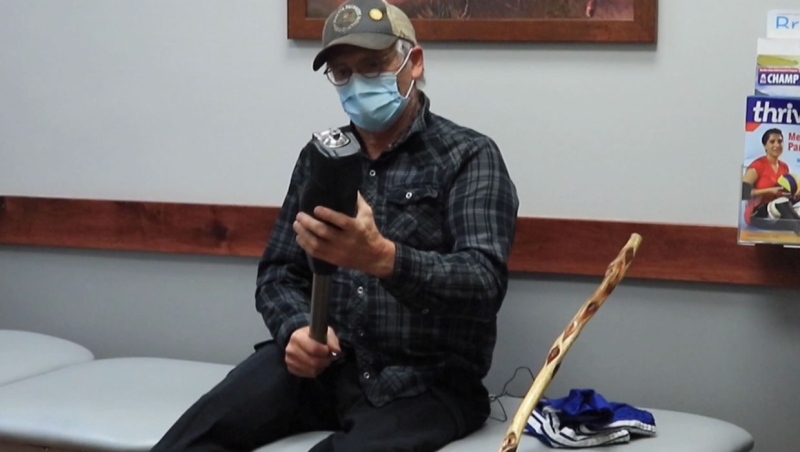 Ken Hildebrand, a man who survived after being trapped in the wilderness for several days, now has a new prosthetic leg.