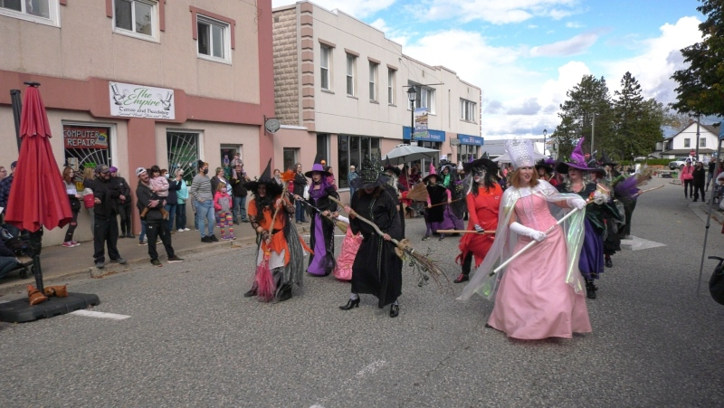 """The annual """"Witches Dance"""" has returned for its fifth year in the town of Blind River, with this year's event coinciding alongside its fall fair. Oct.16/21 (Christian D'Avino/CTV News Northern Ontario)"""