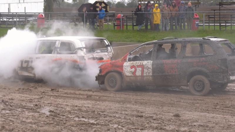 Demolition derby in Barrie a smashing hit