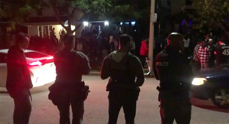 Police were present as University of Windsor students hosted homecoming gatherings in Windsor, Ont. on Saturday, Oct. 16, 2021.  (Sijia Liu / CTV Windsor)