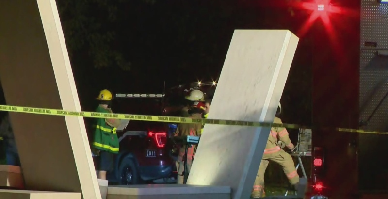 Body of Que. firefighter found under capsized boat