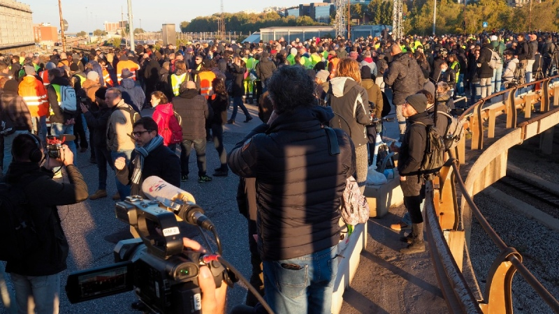 Port workers gather during a protest in Trieste, Italy, on Oct. 15, 2021. (Duccio Pugliese / LaPresse via AP, File)