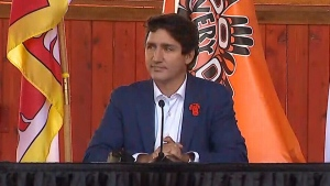 Trudeau apologizes for vacation in Tofino