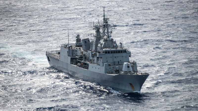 Royal New Zealand Navy frigate Te Mana transits the Pacific Ocean on July 24, 2018. (U.S. Navy photo by Mass Communication Specialist 2nd Class Devin M. Langer)