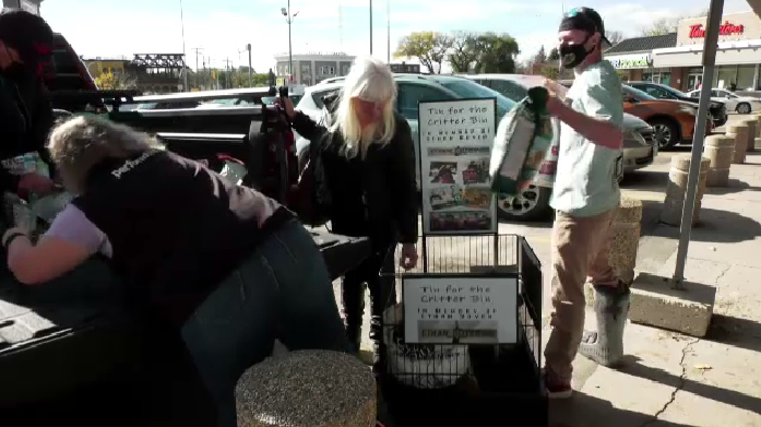 """""""Tin for the Critter Bin"""" fundraiser collects pet food to help animals in need (Jamie Dowsett, CTV News)"""