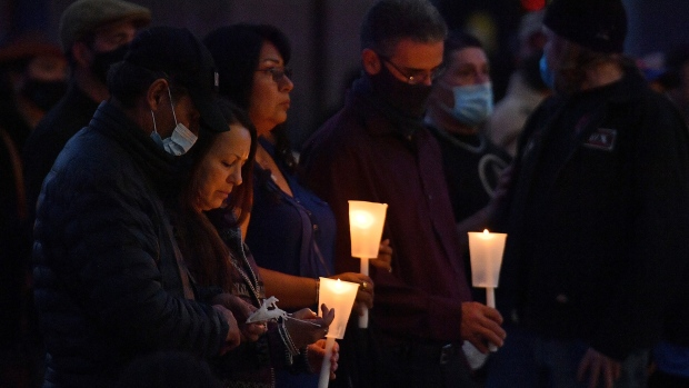 """The sister of Halyna Hutchins, the cinematographer who was killed on the film set of """"Rust,"""" mourned her untimely death in an interview with the Kyiv Post and pictured, a vigil to honor cinematographer Halyna Hutchins on October 23 in Albuquerque, New Mexico. (Sam Wasson/Getty Images)"""
