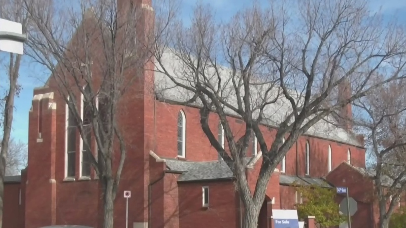 100-year old congregation holds final service